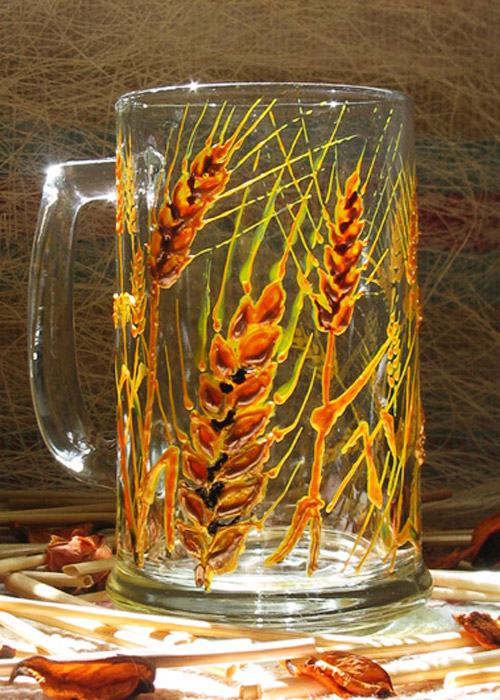 beer glass with ears of wheat